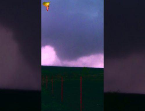 Fall Tornadoes! November 7, 2011 Oklahoma Tornado Outbreak (Vertical)