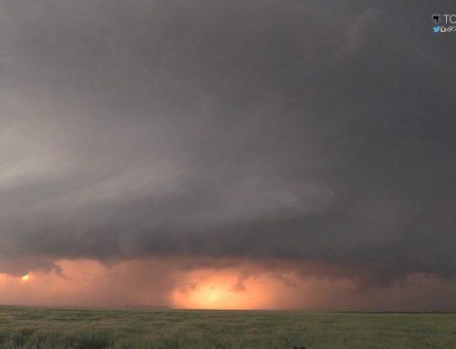 May 21, 2016 Storm Chase | Super Photogenic Tornadic Supercell near Leoti, Kansas